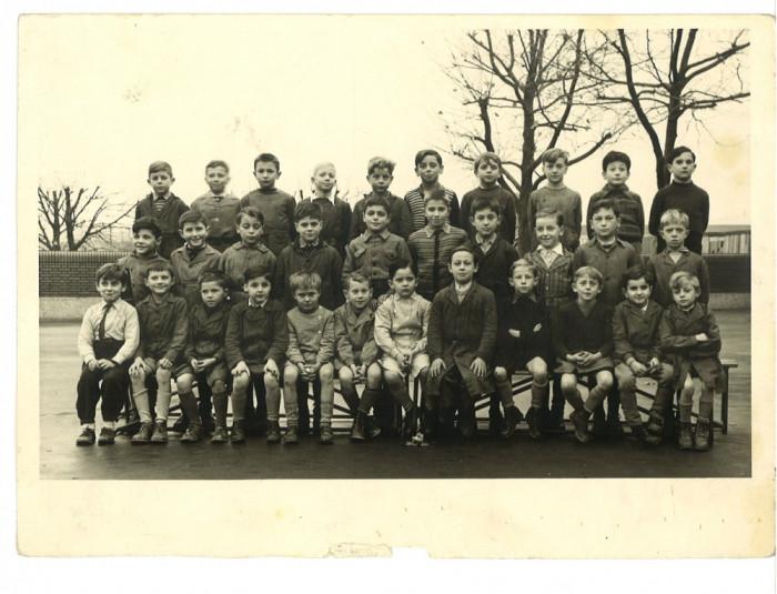 Fotografie veche de grup cu copii