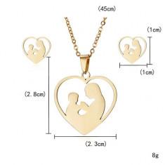 Set bijuterii special pentru mame, placat cu aur galben, setul este compus din lantisor cu pandativ si cercei