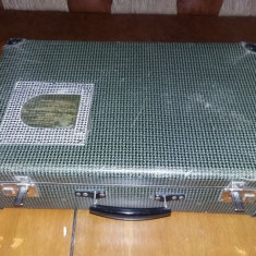 Geamantan tip valiza veche perioada Ceausista,valiza MEDIE Frumoasa,T.GRATUIT