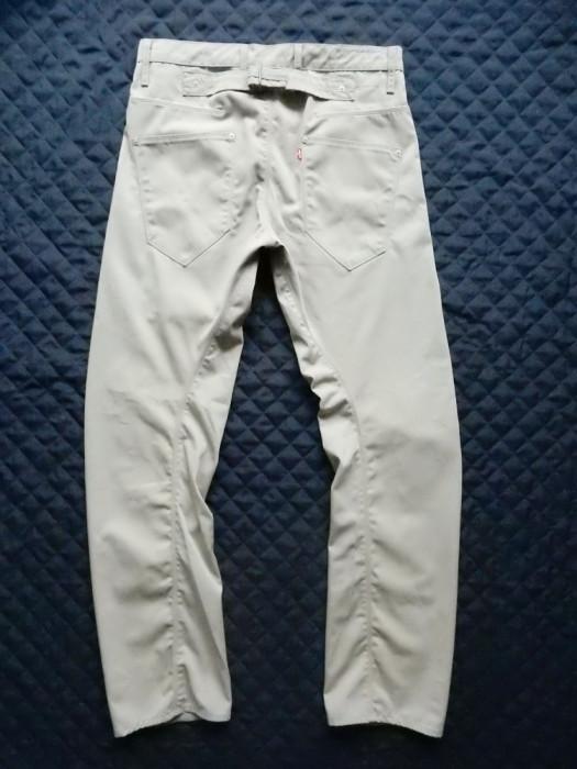 Blugi Levi's Engineered Jeans; marime 32, vezi dimensiuni; impecabili, ca noi