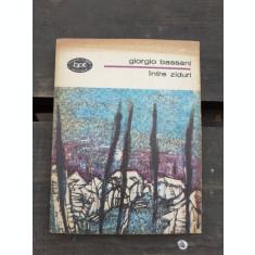 INTRE ZIDURI - GIORGIO BASSAN