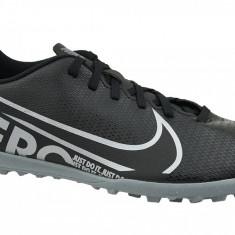 Ghete de fotbal Nike Mercurial Vapor 13 Club TF AT7999-001 pentru Barbati