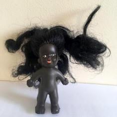 Papusa / papusica Aradeanca, Rica, negresa, cap cauciuc, corp de plastic, 10 cm