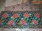 CARPETA VECHE SUPERBA de colectie-carpeta lucrata manual,stare cf.foto,T.GRATUIT