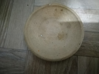 Farfurioara din lut veche foto