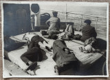Calatori dormind la bordul unui vapor// fotografie J. (Iosif) Berman, Portrete, Romania 1900 - 1950