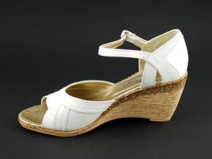 Sandale dama albe, din piele naturala cu platforma S105A - Made in Romania