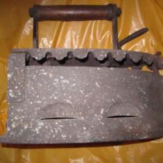 fier de calcat vechi cu defect la o balama nu se trimite colet n132