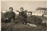 Fotografie militari romani poza veche interbelica romaneasca