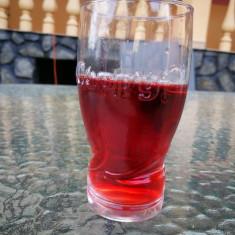 Vand vin rosu de casa