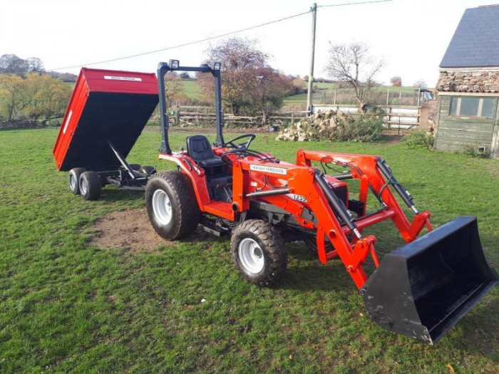 Tractor Massey Ferguson 1234MF5 + Incărcător frontal complet + Remorca