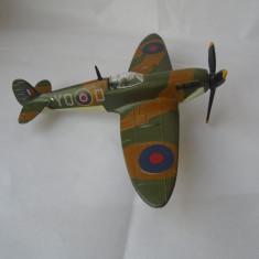 bnk jc Dinky 719 Spitfire MkII ( cu motoras functional )