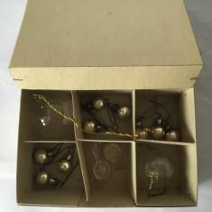 Cutie 13 globuri de brad vechi, mici, vintage, decor Craciun
