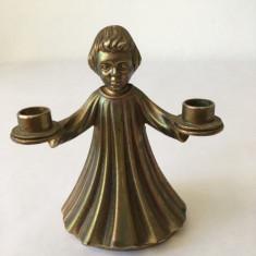 Figurina din bronz, copil-suport lumanari, deosebita, miniatura, 9 cm inaltime