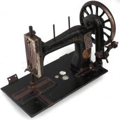 MASINA VECHE DE CUSUT - PIESA DE DECOR - MARCA OMEGA - VECHE DIN ANII 1900