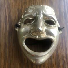 Masca veche englezeasca din bronz