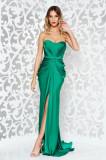 Rochie Ana Radu verde de lux din material satinat cu umeri goi cu push-up accesorizata cu cordon