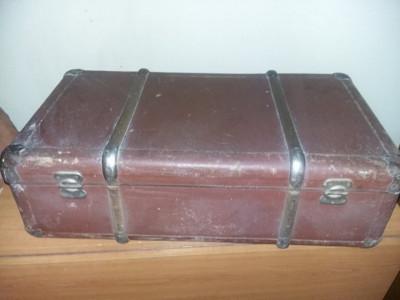 geamantan tip valiza veche perioada Ceausista MARE,valiza/cufar Antic,T.GRATUIT foto