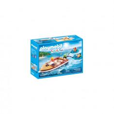 Playmobil Family Fun - Barca cu motor si colacuri
