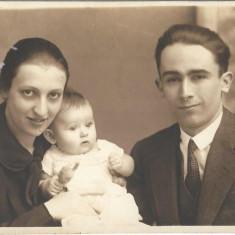 Fotografie portret familie studio Angelo Oradea poza veche interbelica