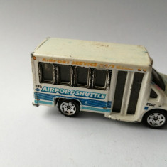 bnk jc Matchbox Chevy Transport Bus 1/80