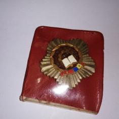 bnk ins Insigna MFruntas in intrecere - 1975