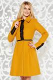 Palton LaDonna mustariu elegant in clos din lana captusit pe interior cu aplicatii cusute manual, Mustar