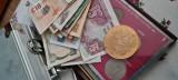 De vânzare monede și bancnote