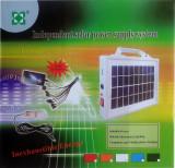 Incarcator solar universal cu 10 mufe telefon si bec inclus LCPS1202