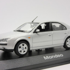 Macheta Ford Mondeo Sedan Minichamps 1:43