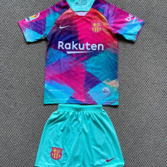 Compleu Echipament FOTBAL pt. copii  FC BARCELONA MESSI ultimul model 2020