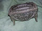 Lot 2 cutii/casete de bijuterii vechi perioada comunista/ceausista,Tran. GRATUIT