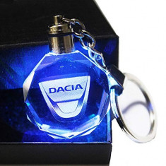 Breloc din cristal cu leduri Dacia