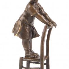 Copil pe scaun - statueta din bronz SL-83