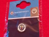 Insigna fotbal - MANCHESTER CITY FC (produs oficial-nou)