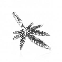 Pandantiv argint - frunză marijuana oxidată, model prelungit la mijloc