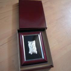 Icoana metalica argintata, provenienta Italia cu dimensiunea ramei 18x13 cm.