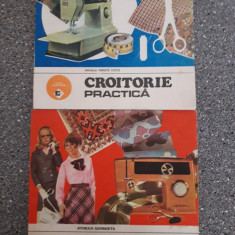 Lot 2 carti despre Croitorie / R7P4F