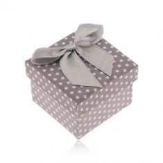 Cutiuță cu buline albe și gri pentru inel, fundă lucioasă