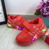 Cumpara ieftin Adidasi rosii cu lumini LED si scai pt baieti / fete 21 22 23 24, Unisex, 25
