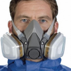 Set complet masca respiratorie 3M 6200 + filtre + prefiltre + capace, masca 3M