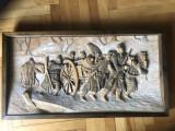 Tablou danez,camp de lupta cu soldati,basorelief sculptat in lemn
