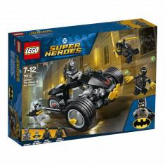 LEGO Super Heroes, Batman: Atacul talonilor 76110