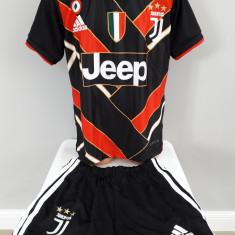 Echipament  fotbal pentru copii Juventus Ronaldo negru model nou 2019, Alta