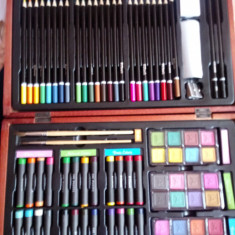 Set pictura si desen 79 piese in cutie de lemn