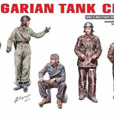 1:35 Hungarian Tank Crew - 5 figures 1:35