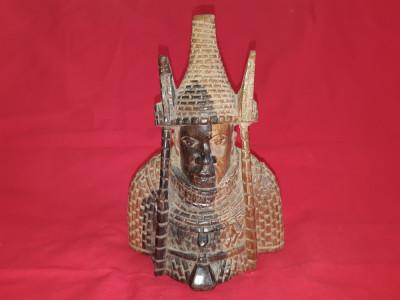 Sculptura veche in lemn Asia foto