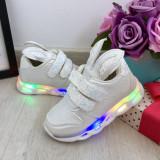 Cumpara ieftin Adidasi albi cu lumini LED si urechi cu scai pt fetite 21 24 25 26 cod 0766, Fete