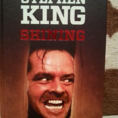 SHINING-STEPHEN KING