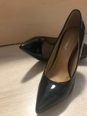 Pantofi stiletto foto